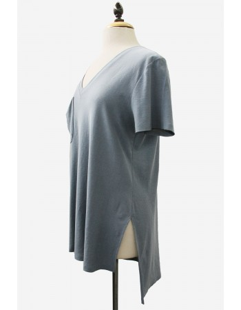 Two Tone Jersey V-Neck Step Hem Tee